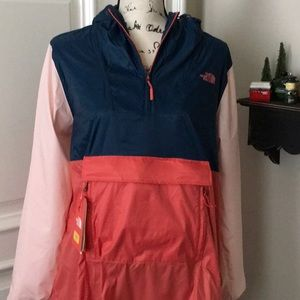 NWT Light Weight North Face Jacket / Fanny Pack
